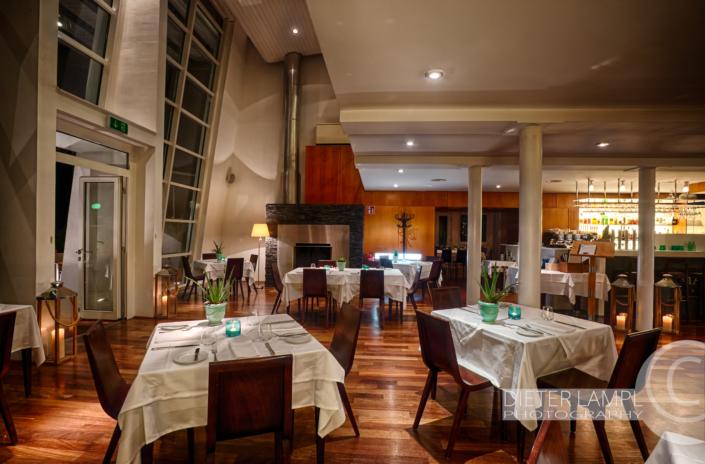Architekturfotografie für Restaurants: Kaminbereich Marina Restaurant in Wien