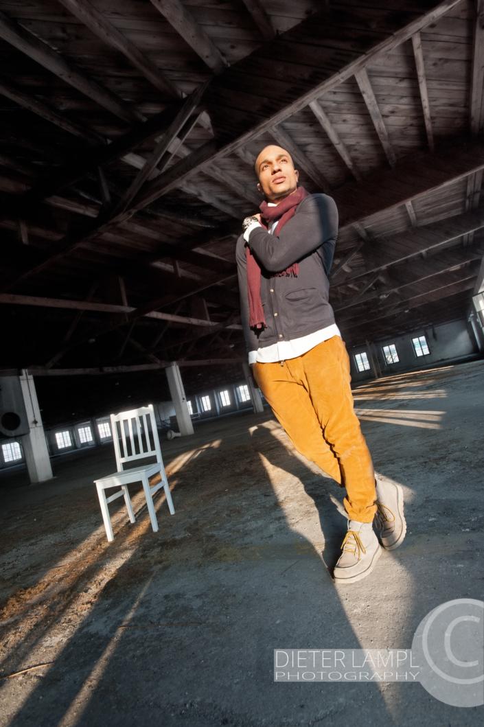 Portraitfotografie einmal anders: Profi-Model in der Panzerhalle Salzburg